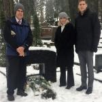 prie tėvelių kapo Vilniaus Antakalnio kapinėse