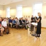 J. Kazickaitė parodos V. Kasiulio galerijoje atidaryme