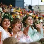 Kelionės vykdant trimus - Dainų festivalis Latvijoje (2013), Estijoje ir Lietuvoje (2014), bei Pasaulio chorų žaidynės latvijoje (2014).