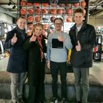 Jūratė Kazickaitė, John Kazickas ir Arminas Vareika su Sportpoint atstovu