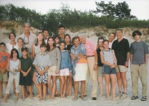 Visa Kazickų šeima Palangoje 2001 m.